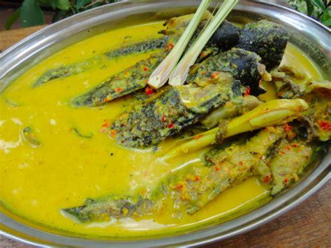 Kali ini kita akan share resep jadul pesmol ikan tenggiri yang super enak dan gampang banget dibuatnya. Resepi Ikan Tenggiri Masak Lemak ~ Resep Masakan Khas