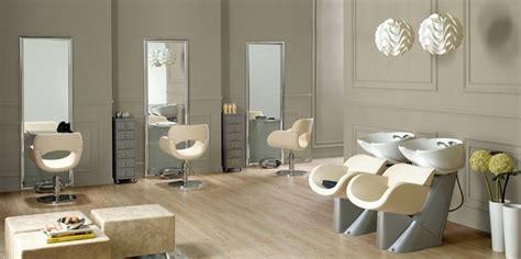 mobilier de coiffure et pour quelles couleurs adopter pour un salon de coiffure ou un