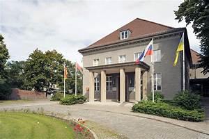 Rote Karte Berlin Lichtenberg : hauptquartier der smad ~ Orissabook.com Haus und Dekorationen