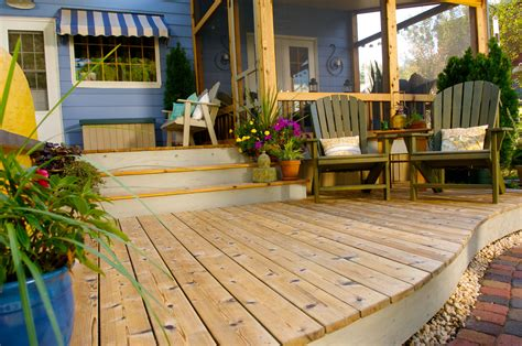 slight curve adds impact    level   deck