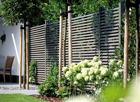 Sichtschutz Im Gartensichtschutz Holz Vom Fach Nowaday