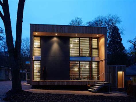 louer une chambre à une maison bois en forme de cube