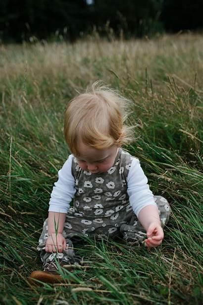 Newborn Poses Nineteen Sweet Months Child