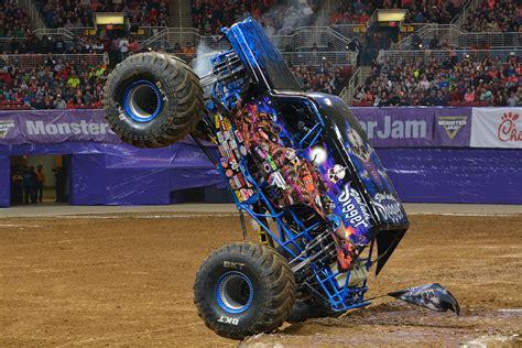 monster jam monster trucks images usseek com