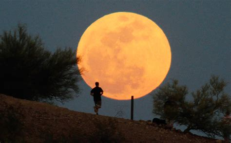supermoon  perigee moon     big