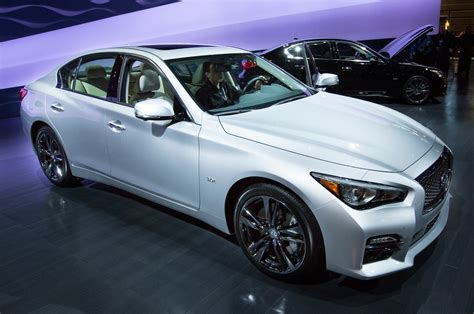 Full 2016 Infiniti Q50 Engine Lineup Shown In Chicago