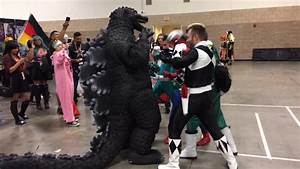 COSPLAY BATTLE! - GODZILLA VS SPIDERMAN AND THE POWER ...