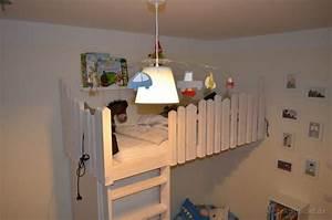Hochbett Kinder Selber Bauen : die besten 25 hochbett selber bauen ideen auf pinterest hochschulwohnung schlafzimmer ~ Indierocktalk.com Haus und Dekorationen