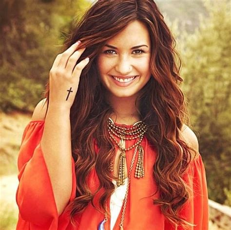 Demi Lovato Red Brown Hair With Highlights Hair And Beauty