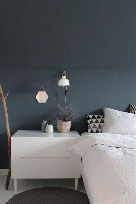 schlafzimmer blau graue wand bedroom space wandfarbe