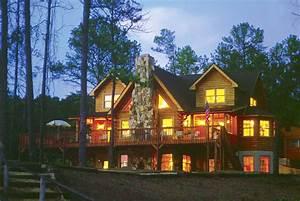 File:Southland log home by lake at dusk jpg - Wikimedia