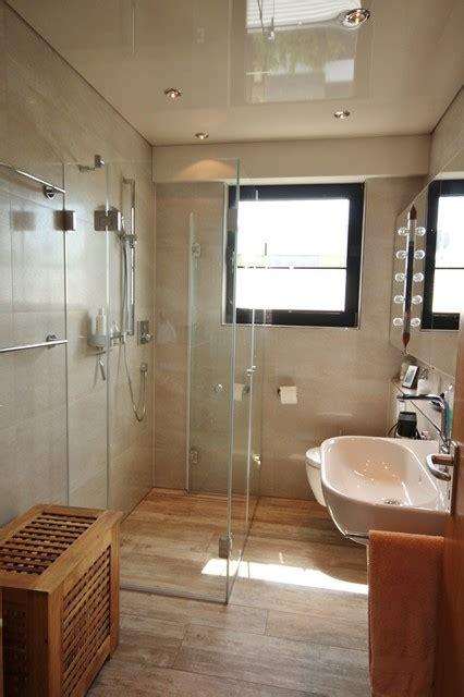 Kleines Bad Mit Dusche Und Fenster by Dusche Vor Fenster Modern Badezimmer K 246 Ln