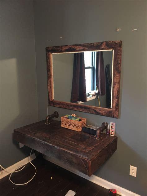 makeup vanity  pallet wood wood working diy home decor pallet vanity rustic makeup vanity