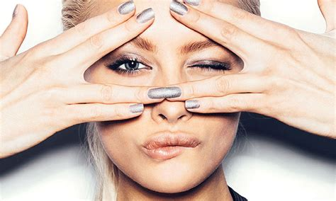 what s the best way to remove gel nail hello