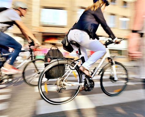 Bike To Work 1 29 reasons you need to bike to work healthy magazine