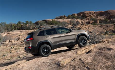 jeep trailhawk 2014 car and driver