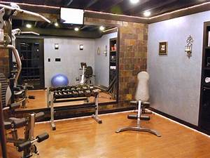 Home gyms in any space decorating and design ideas for for Hgtv home designhome gym design ideas