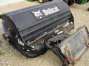2009 Bobcat 68 U0026quot  Angle Broom - Cwp Attachments