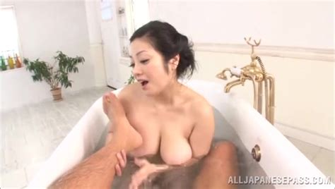 Naked Japanese Lady Minako Komukai Is In The Tub With The