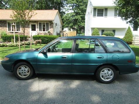 green station wagon buy used green ford escort lx station wagon 1997 98 000
