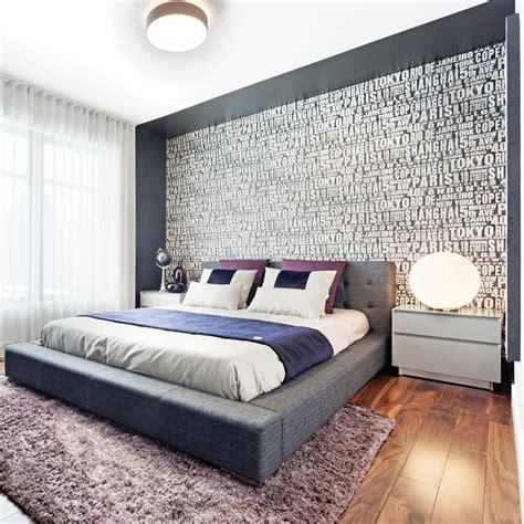 chambre des maitres moderne chambre un cadre plein de caractère comme tête de lit