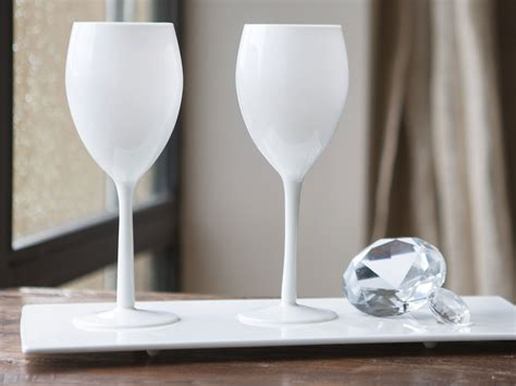 accessoire de rangement cuisine verre à vin à pied en verre opaque blanc 50 cl set de 4