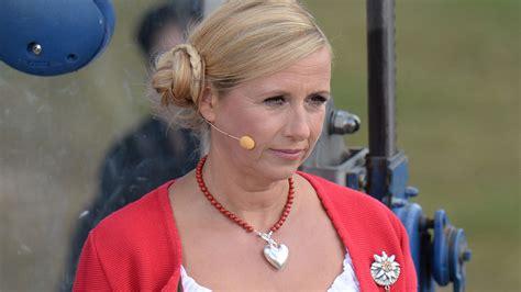 Andrea kiewel (ca) alman tv sunucusu (tr); Andrea Kiewel: So reagiert das ZDF auf den Betrugs-Skandal ...