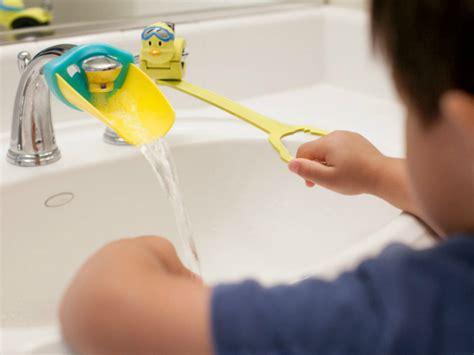 aqueduck faucet extender aqueduck faucet handle extender getdatgadget