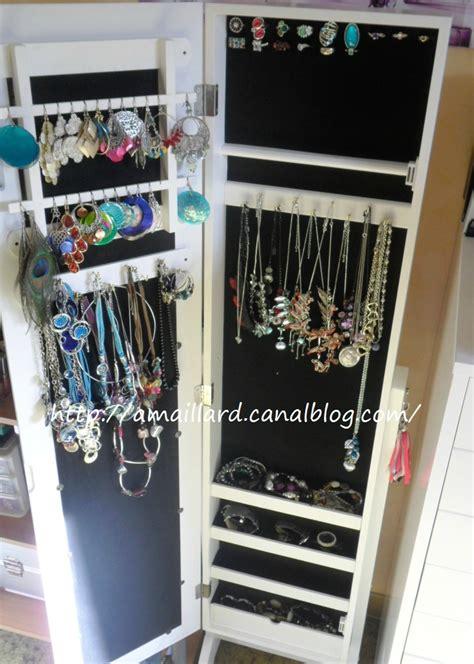 armoire a bijoux casa mes bijoux s offrent un toit avec l armoire a bijoux casa ma vie en couleurs makeup
