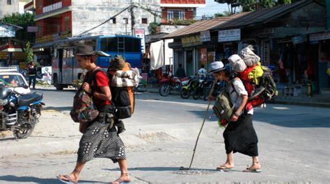 tourist  backpacker  world traveller