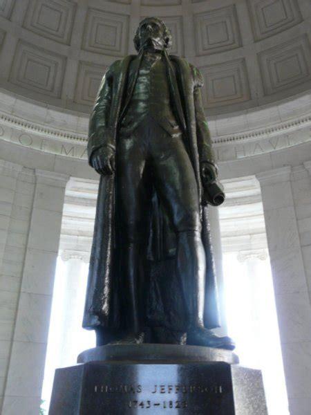 statue  jefferson memorial photo