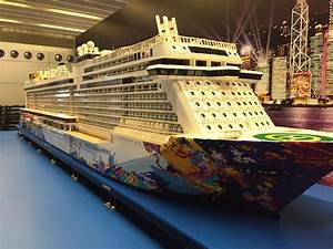 Largest Lego ship w/o support that break the Guiness World ...