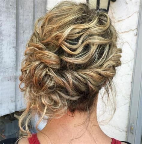 idees de coiffure demoiselle dhonneur jolie