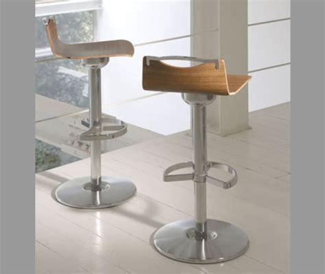 quelle chaise haute choisir modele de bar pour restaurant trouver modele bar la cuisine en u avec bar voyez les derni res