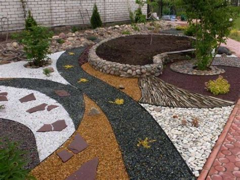 jardin moderne avec du gravier d 233 coratif galets et plantes gravier gravier concass 233 et