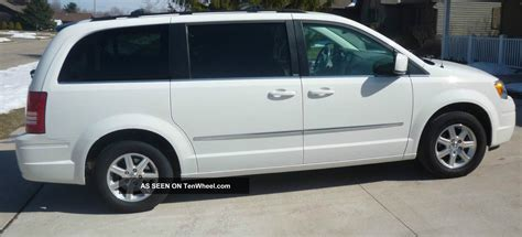 2009 Chrysler Town And Country by The Gallery For Gt Chrysler Town And Country 2009