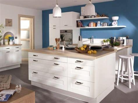 cuisine gris et bleu les 25 meilleures idées concernant cuisines bleu marin sur