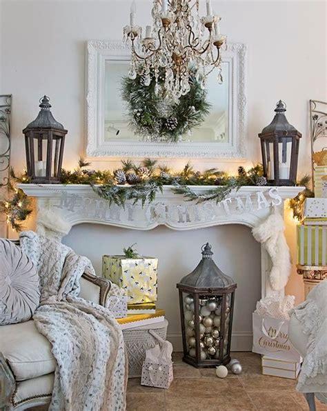 cozy christmas living room decor ideas shelterness