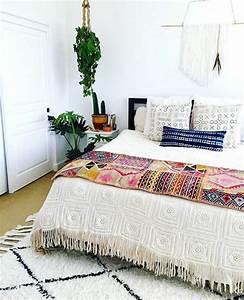 1001 photos d39interieurs decores a la base des motifs With tapis ethnique avec achat coussin canapé