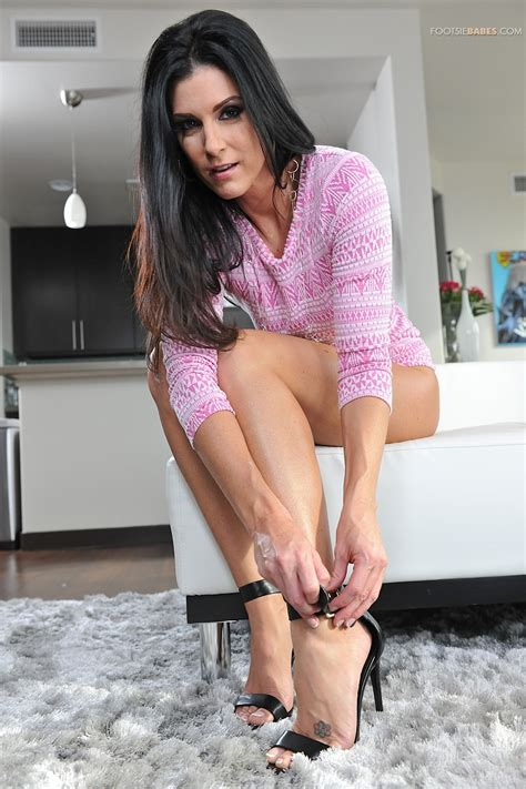 India Summer Likes Sex With Married Guys Milf Fox