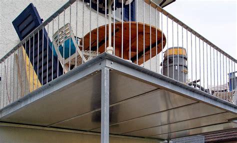 Balkone Und Terrassen by Metall Werk Z 252 Rich Ag Balkon Und Terrasse Mit Holzboden