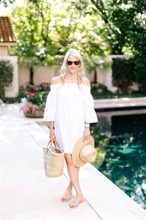 6 ESSENTIALS FOR DAYS BY THE POOL | Pool party dresses ...