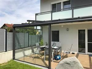 Terrassenüberdachung Aus Glas : moderne terrassen berdachung in grau mit windschutz zum ~ Whattoseeinmadrid.com Haus und Dekorationen