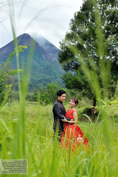 foto prewedding outdoor unik lihat  foto prewed