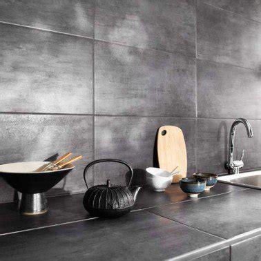 cuisine lapeyre 3d carrelage mural et plan de travail cuisine effet métal gris