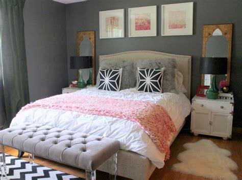 Wandgestaltung-grau-schlafzimmer-schwarz-weiss-rosa