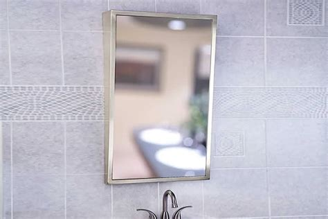 Tilting Handicap Mirror For
