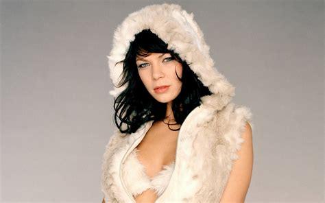 Zur gleichen zeit war auch pocher dort angestellt und stand unter anderem. HD LIVE 3D WALLPAPER: Garmany Actress Jessica Schwarz Hot ...