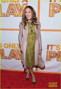 Full Sized Photo of sarah jessica parker its only a play ...