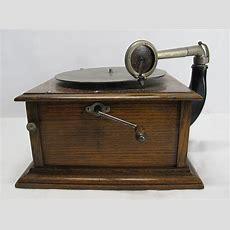 Antique Columbia Graphophone Tabletop Hand Crank